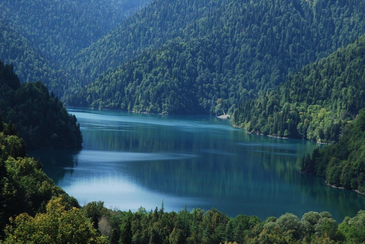 Пронзительная красота Абхазии остается в памяти навсегда.