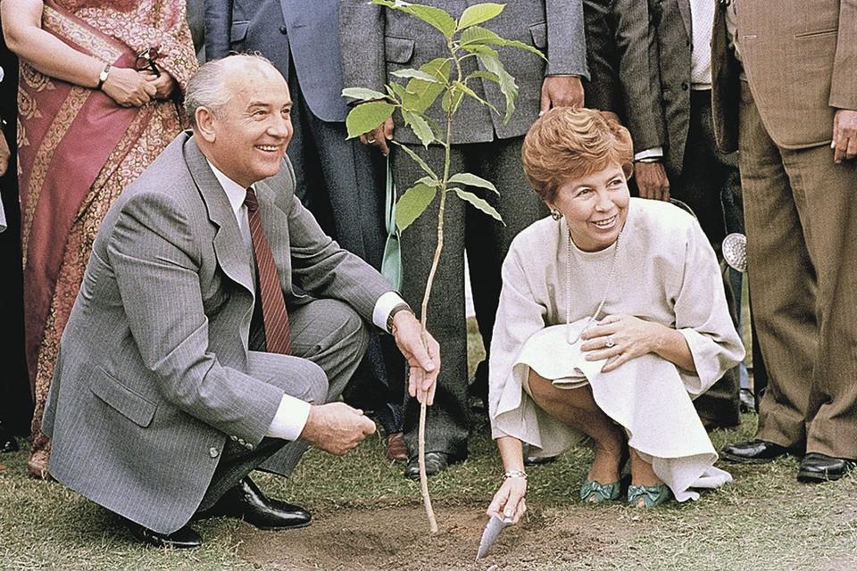 Завтра, 2 марта, Михаилу Горбачеву исполняется 90 лет. Что бы вы хотели ему пожелать? Политика
