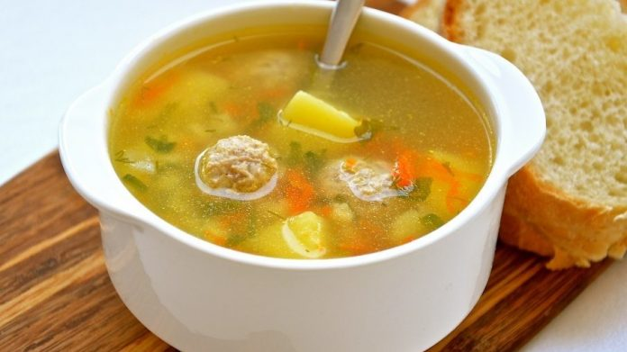 Наваристый и аппетитный бабушкин суп с фрикадельками