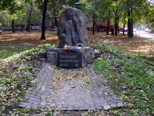 Записки Колорадского Таракана. Гопники, семки и российский взгляд на Украину