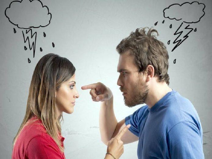 Жена поссорилась с мужем и м…