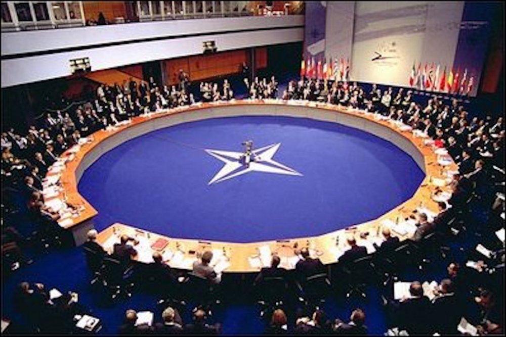 "Страны НАТО напуганы ""браком…"