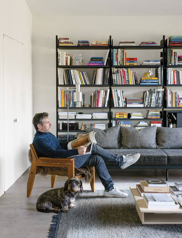 Легкий современный интерьер дома архитектора в Бельгии антверпен