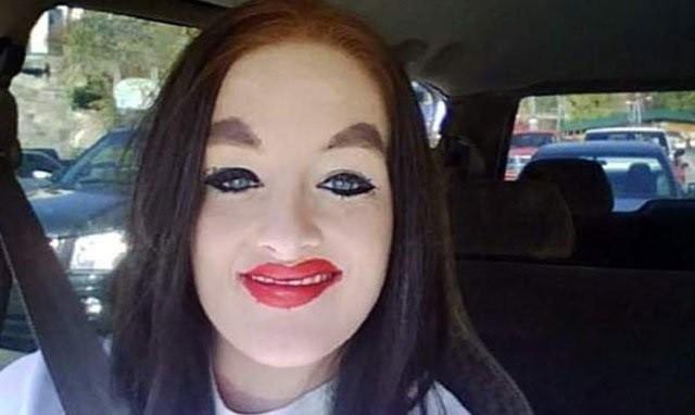 Шокирующие и ржачные примеры того, как не следует делать макияж (17 фото)