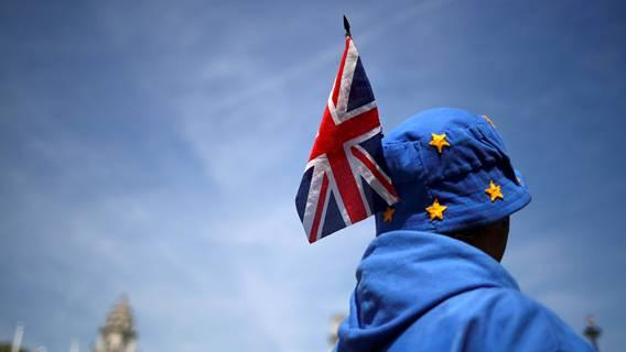 Великобритания отложила полный пограничный контроль после Брексита еще на полгода