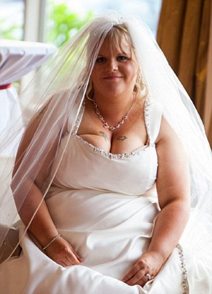 Молодожены постыдились своей свадебной фотографии и решили стать другими: сейчас они выглядят восхитительно