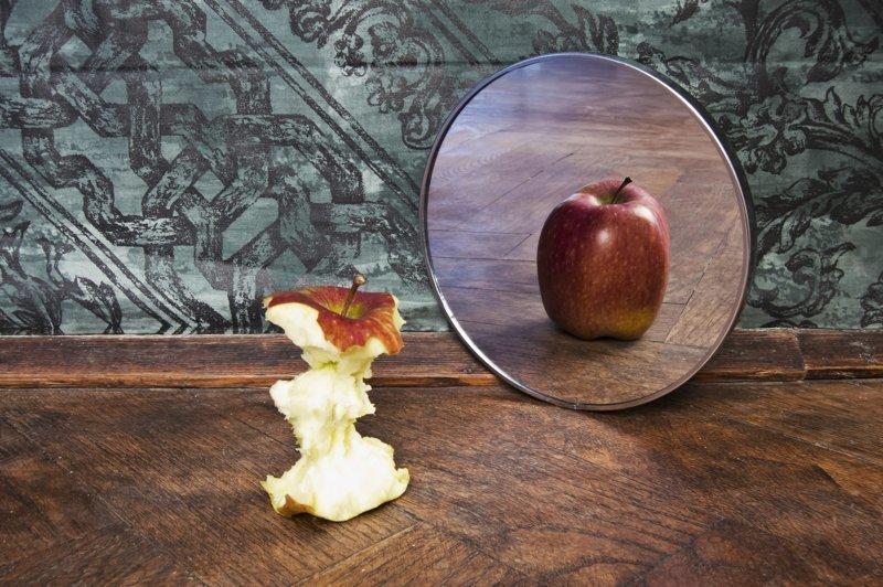 Еда и сон Русы, зеркала, злые силы, обряды, приметы, русалки, суеверия