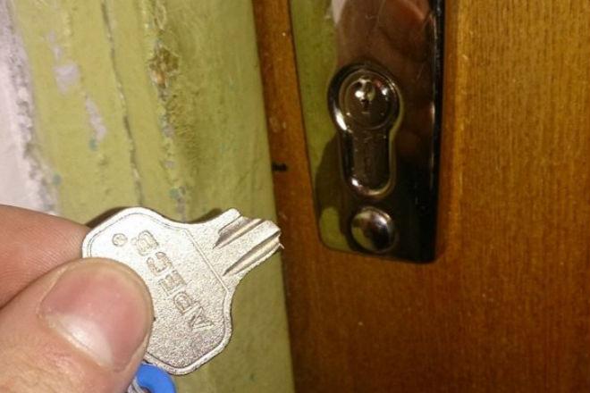 Как вытащить из замка сломанный ключ