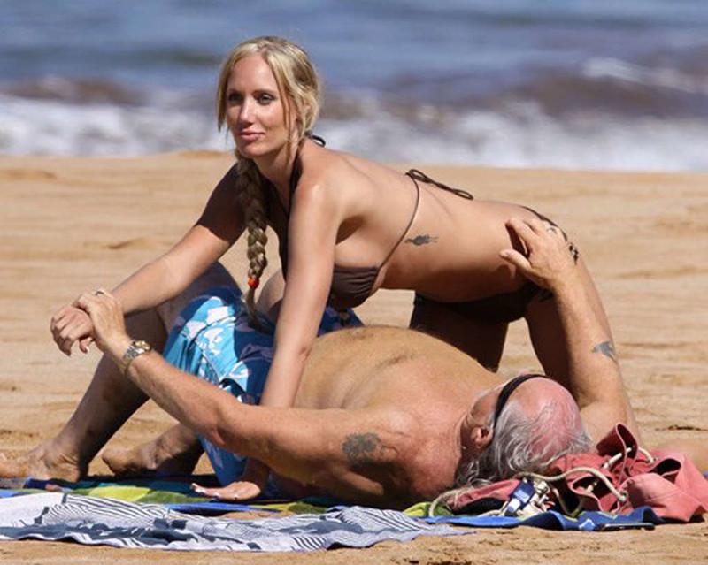 Красивая девушки и ее папик, женские оргазмы подборка скрытая камера