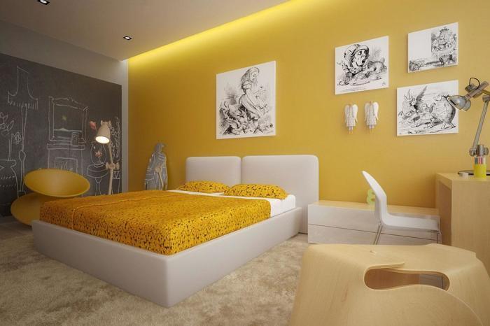 Солнечная спальня. Идеальное сочетание стены и покрывала.