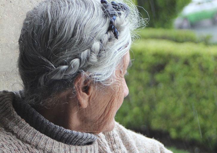 Она на старости лет осталась совсем одна…