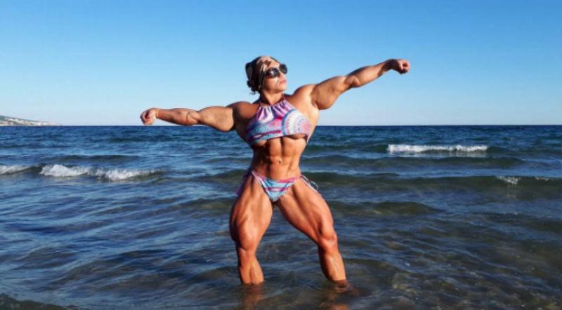 «Не прячу свою фигуру под одеждой»: невероятная российская бодибилдерша Наталия Кузнецова
