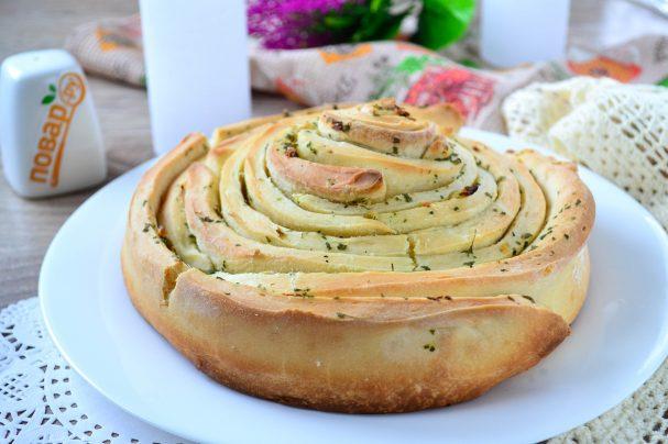Хлеб с чесноком и зеленью