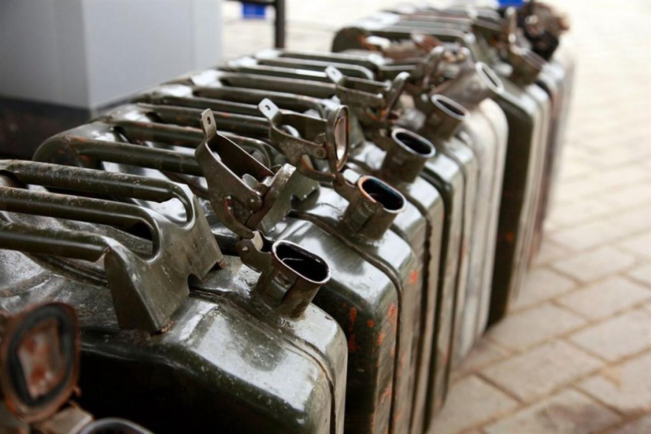 Командование воинской части в Житомирской области задержали за кражу топлива