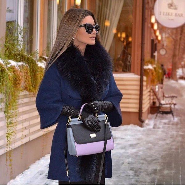 Не банальная повседневность: как носят пальто с рукавами ¾ стильные женщины
