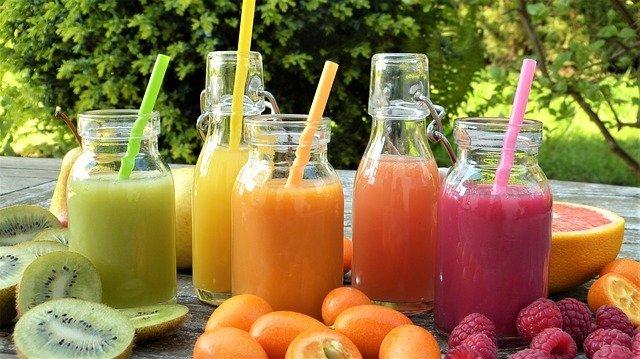 Диетологи перечислили ускоряющие процесс похудения соки
