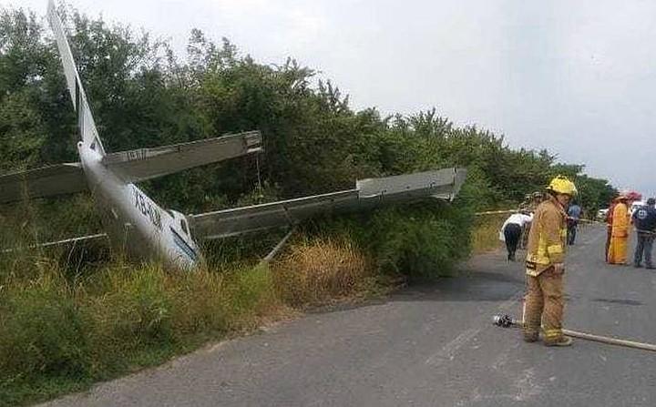В Мексике небольшой самолет при падении сбил байкеров
