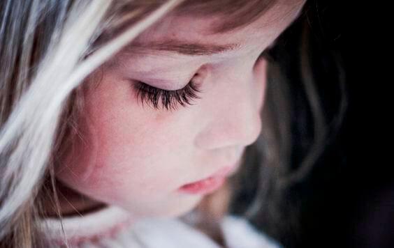 Гиперопека: так вырастают несчастливые дети