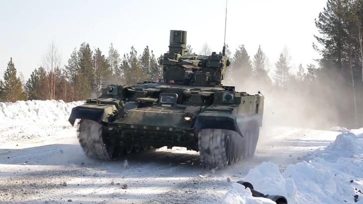 Миссия выполнима: Уралвагонзавод показал новых «Терминаторов». ВИДЕО