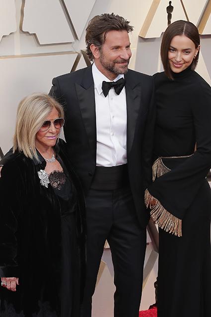 Бывшая жена Брэдли Купера Дженнифер Эспозито прокомментировала слухи о его романе с Леди Гагой Звездные пары