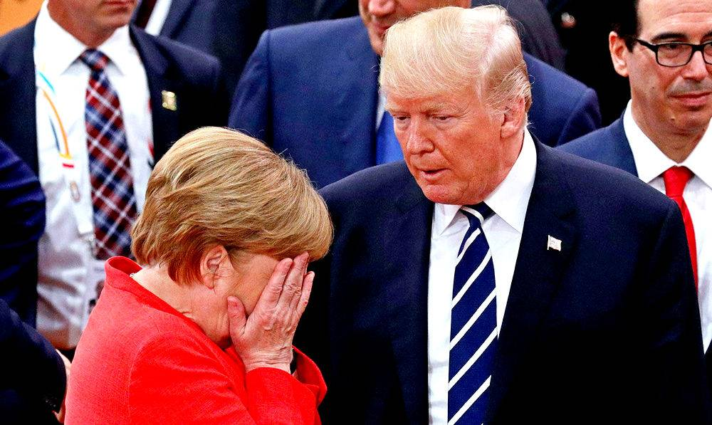 Международный скандал: Трамп со злости запустил в Меркель горсть конфет