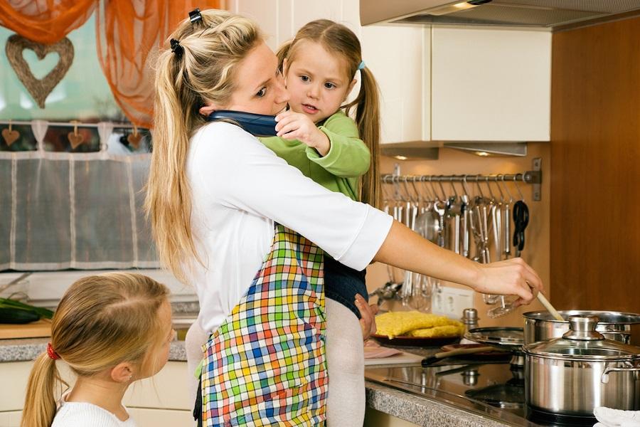 Восьмым, картинка прикольная женщина с ребенком