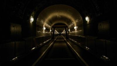 В Швейцарии открыли самый длинный тоннель в мире
