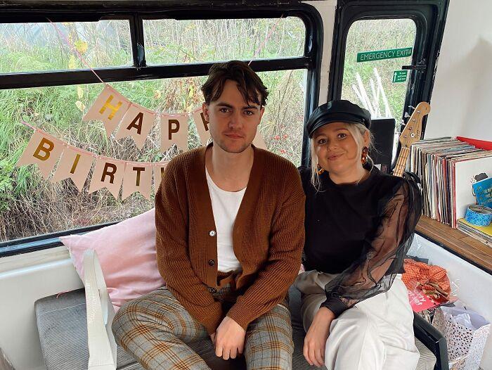Двухэтажный автобус вдохновил британскую пару на создание дома мечты для дома и дачи,интерьер,новая жизнь старых вещей