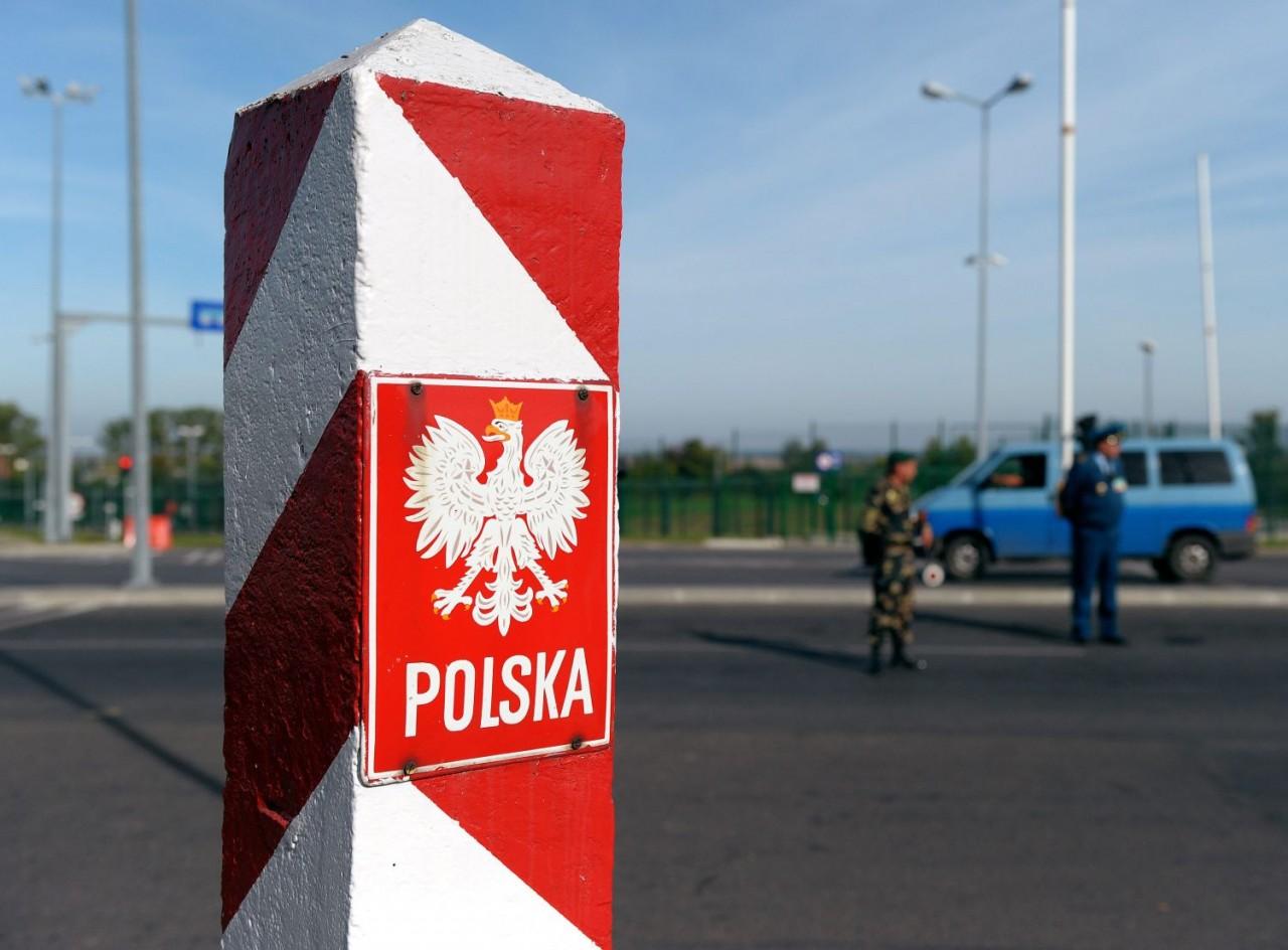 Россия решила приостановить режим приграничного передвижения с Польшей