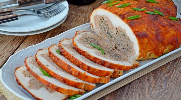 Курица со свининой, фасолью и грибами