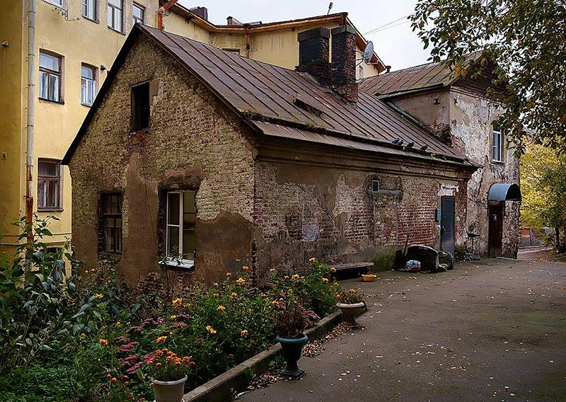 Самый старый жилой дом в России выставлен на Авито недвижимость