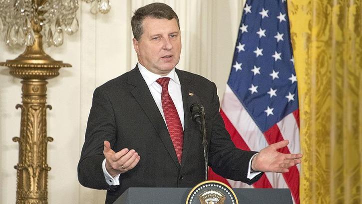 В Латвии поняли, почему США не спасет Европу от России, которая «играет военными мускулами»