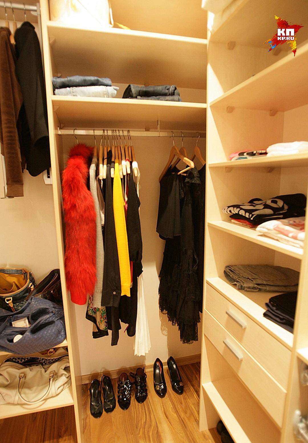 Выбрасываем шкаф и делаем гардеробную Фото: Михаил ФРОЛОВ