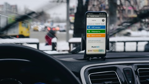 Без регистратора и SMS: зачем смартфон в автомобиле? автомобиль