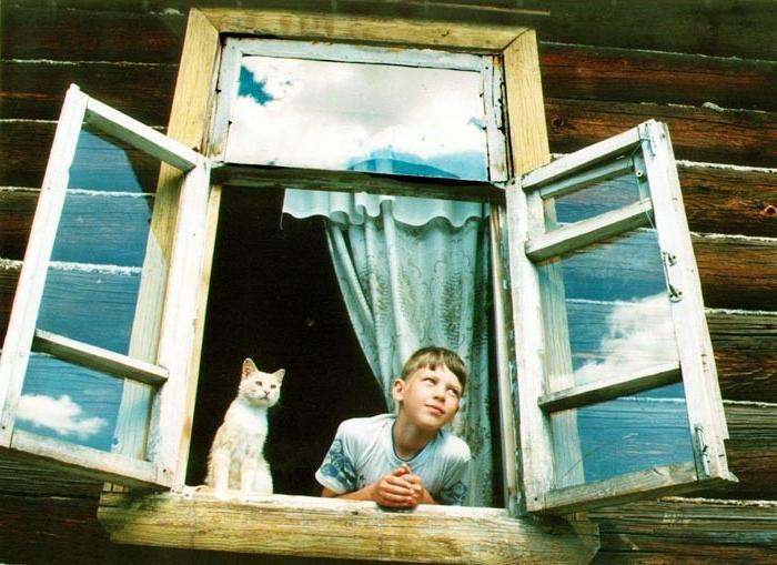 По каким соображениям в СССР окна открывались наружу, а сейчас вовнутрь