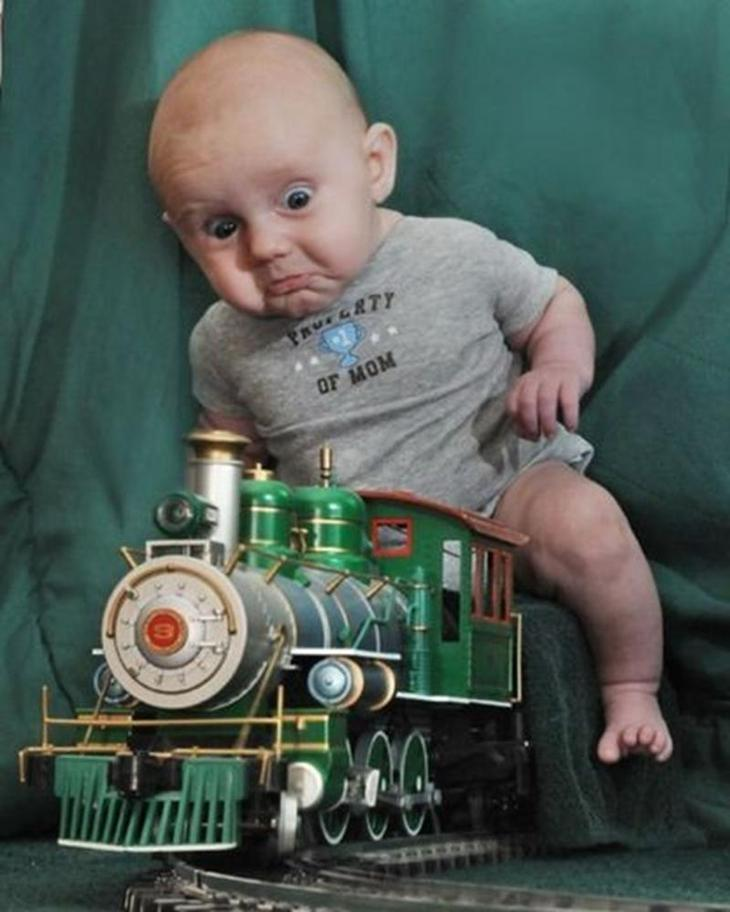 Awkward-Baby-Family-Pictures-30-620x