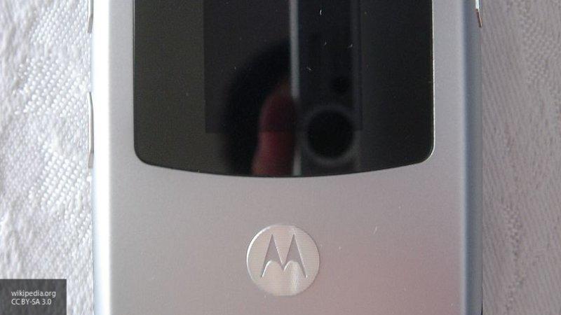 Motorola перевыпустит культовый складной телефон RAZR