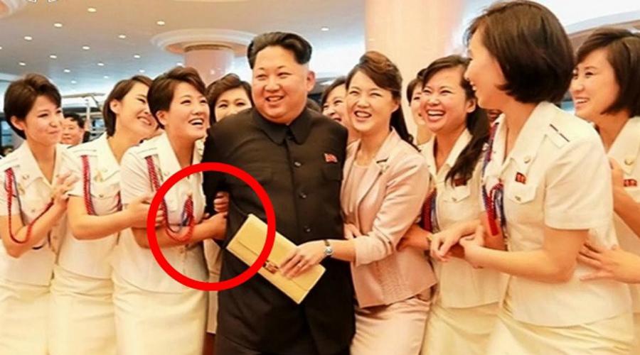 Личная женская гвардия Ким Чен Ына: девушки охраняют сон вождя армия,Ким Чен Ын,кндр,Отряд Счастья,Отряд удовольствия,Пространство,северная корея,спецназ,телохранители,чучхе
