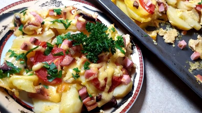 Картофельная запеканка «Хочу добавки»: объедение на скорую руку