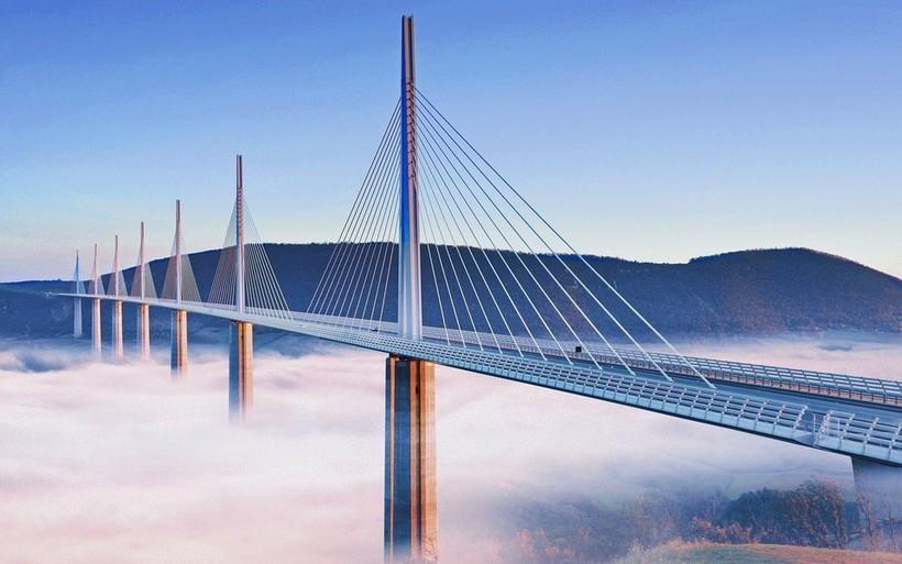Виадук Мийо: самый высокий мост в мире, который построили всего за 3 года