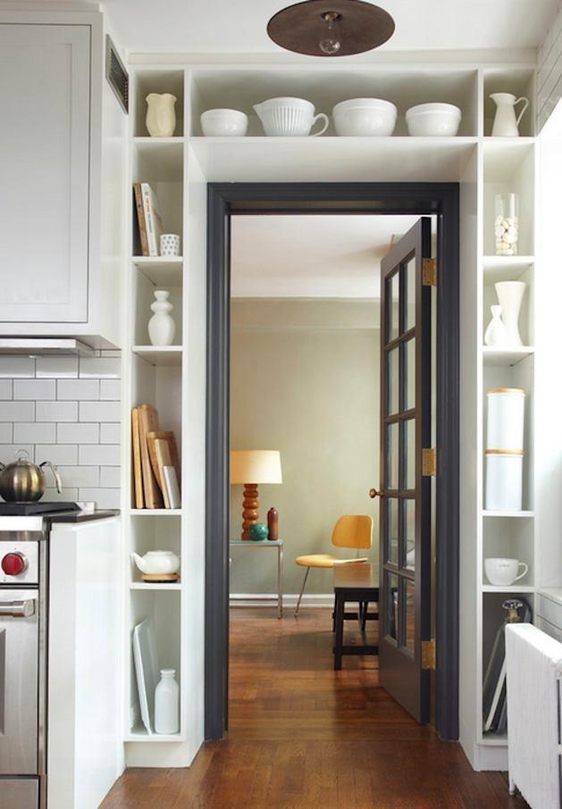 Кухня в цветах: серый, светло-серый, белый, бежевый. Кухня в стиле экологический стиль.