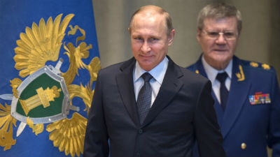 СМИ: Кремль гарантировал Чайке неприкосновенность