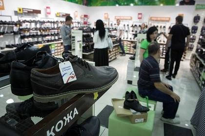 Плетите лапти: Путин поручил рассмотреть вопрос о введении утилизационного сбора на обувь