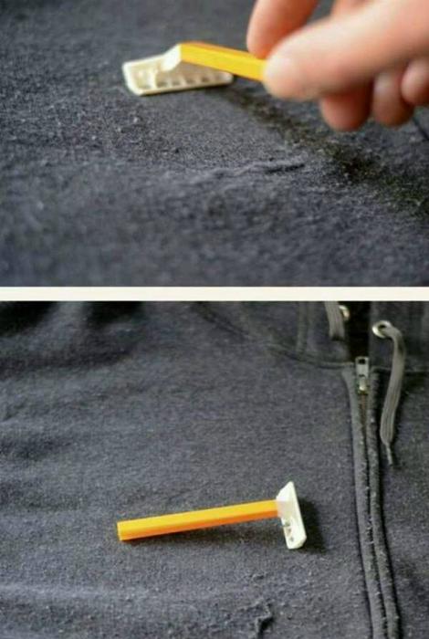 Чтобы избавится от катышков на любимом свитере, пройдитесь по его поверхности обыкновенным бритвенным станком.
