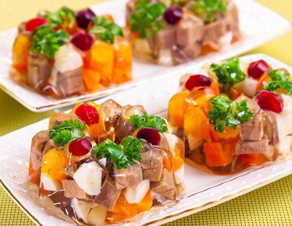 Заливное: 12 рецептов с мясом, рыбой и овощами