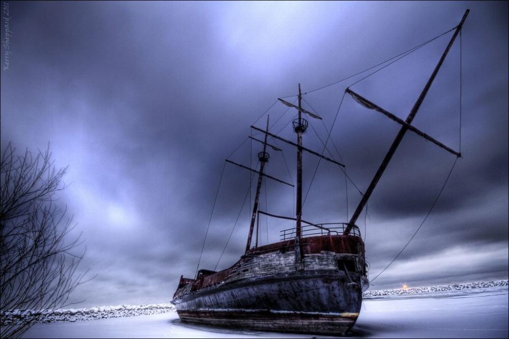 20-ships-which-were-forgotten-by-humans-artnaz-com-14