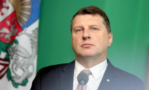 Президент Латвии всёже поздравил Путина спобедой навыборах