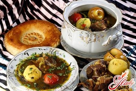 Шурпа из баранины: сытный обед в холодную пору