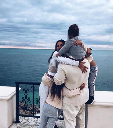 """""""Люблю больше жизни"""": Джиган посвятил клип Оксане Самойловой и их дочери Майе Звезды,Звездные пары"""