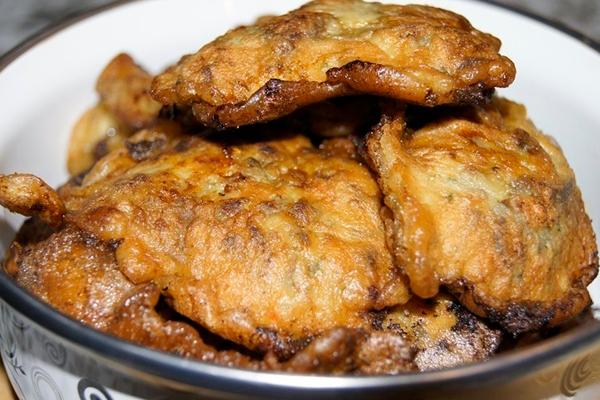 Печень в очень оригинальном кляре. Очень нежно и вкусно!